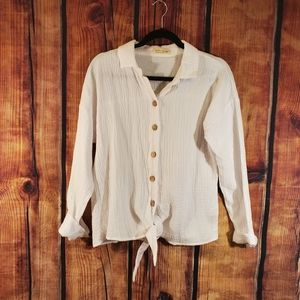 💥 JUST LIVING Size Medium White Super Soft & Comfy Cropped Button Down Shirt